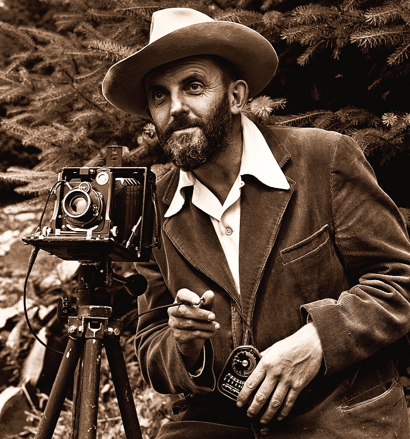 800px-Ansel_Adams_and_camera1