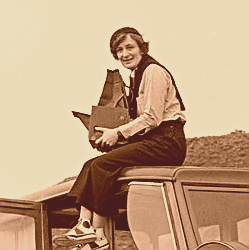 800px-Dorothea_Lange_1936a